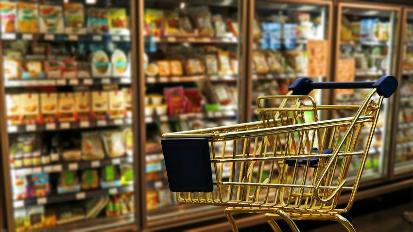 Deleitar vende su leche desnatada a 25 céntimos lo que provoca malestar en el campo1920