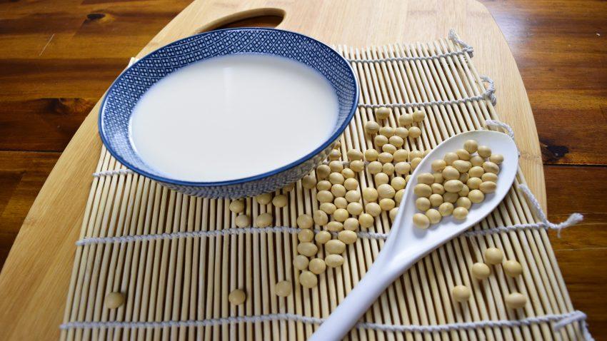 Llamar leche a las bebidas vegetales es fraudulento según la justicia europea1920
