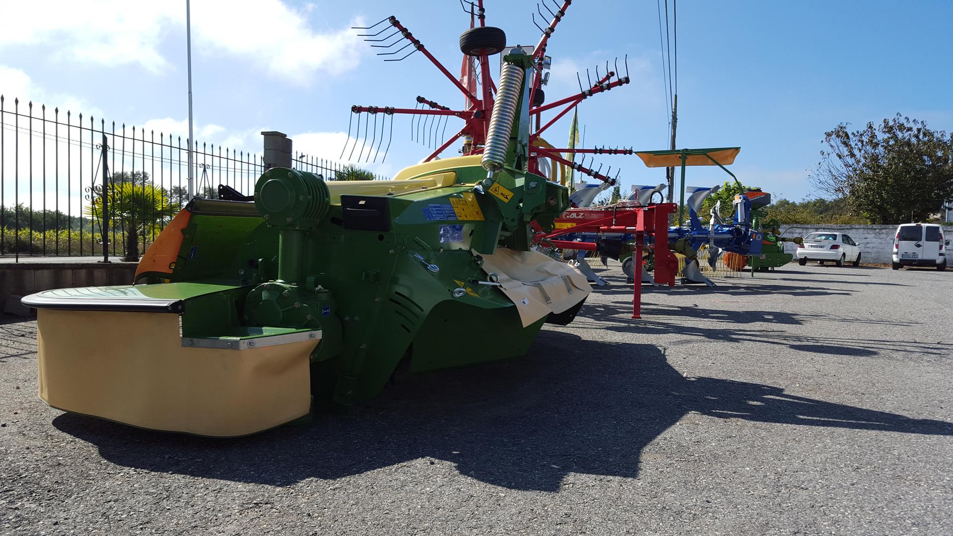 los tractores y la circulación Millares Torrón