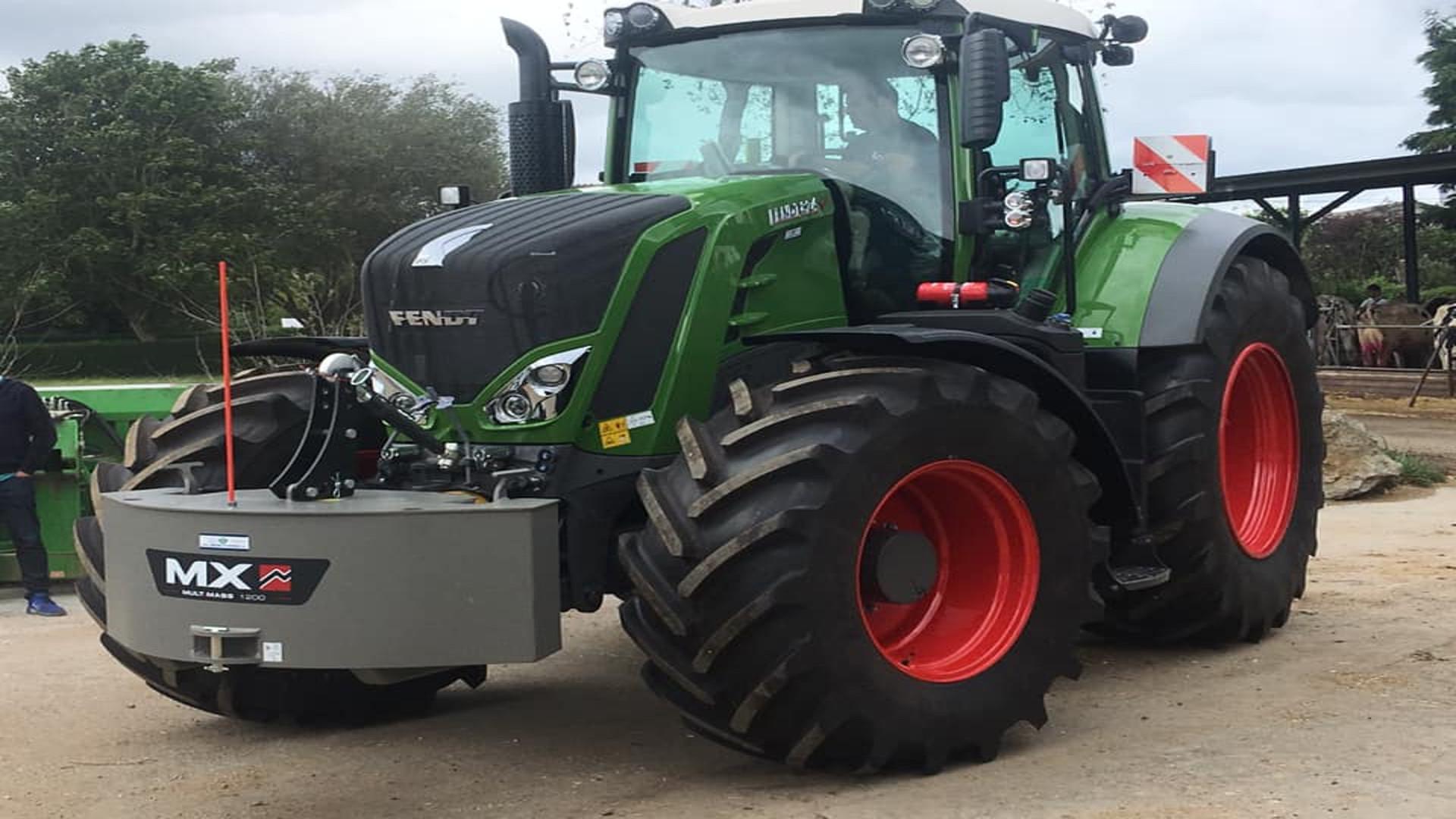 Parece que hay cierto desacuerdo en la baja de oficio de los tractores antiguos1920